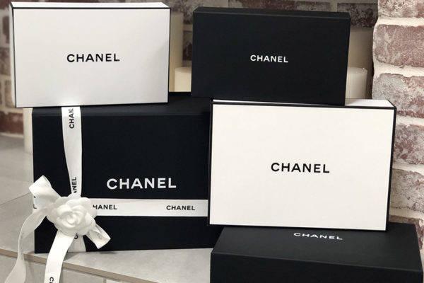 Chanel: caixa branca ou preta?